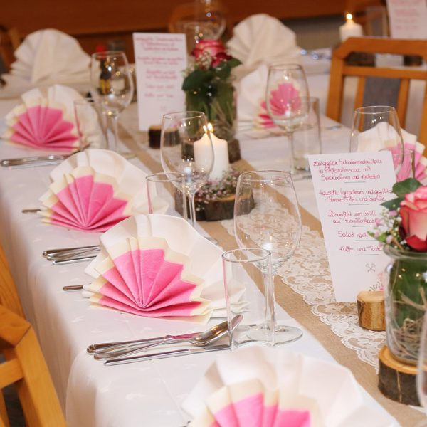 Toplerhof Hochzeitstafel